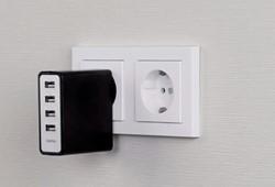 Hama USB oplader met 4 poorten
