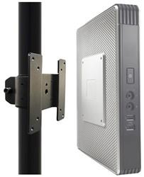 Bevestigingsbeugel Newstar voor bevestiging mini PC aan de paal van een monitorarm, VESA 75x75mm en 100x100mm, zwart
